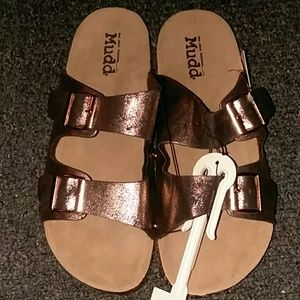 Bronze gold birkenstocks sandals by Mudd size 9/10